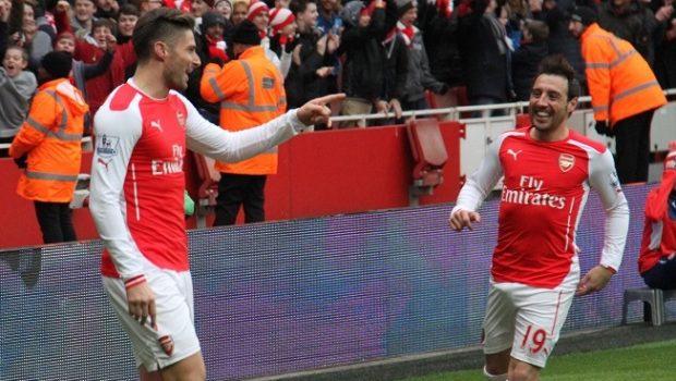Giroud celebrates with Cazorla - Arsenal